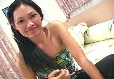 Cum hungry thai girl wants to be inseminated
